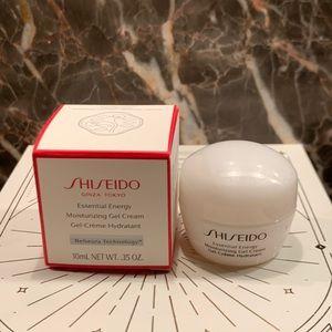 5 for $25 item 🌺 Mini Shiseido Gel Moisturizer